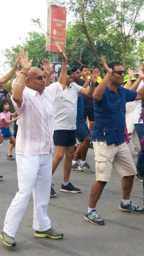 Seniors dancing at Raahgiri Day