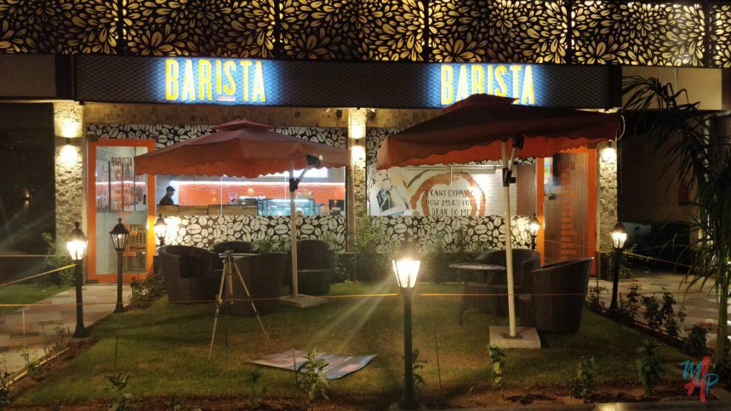 barista in indulgence food court
