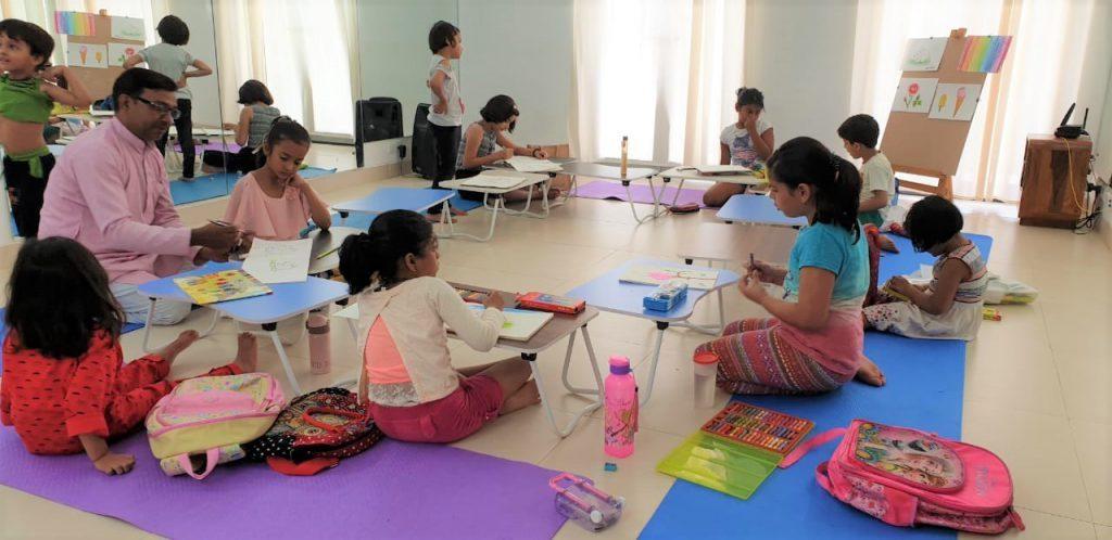 Students at Kalaa art class