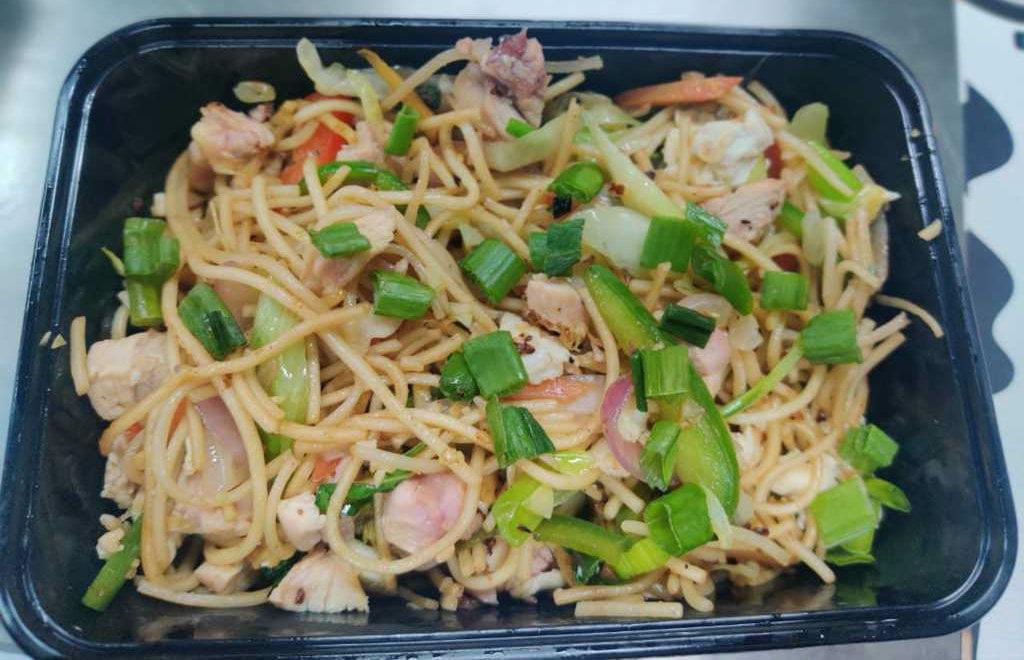 Won Ton Sapphire Ninety Hakka Noodles