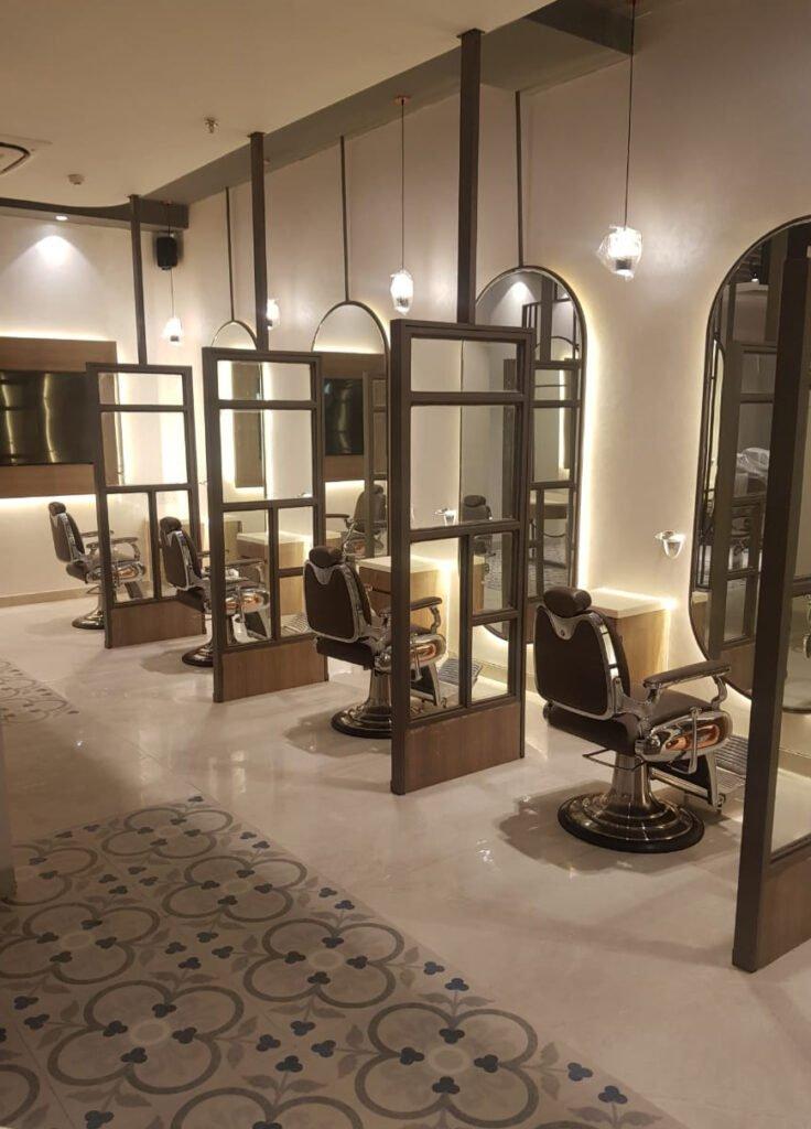 Looks Salon Sapphire Ninety Inside View
