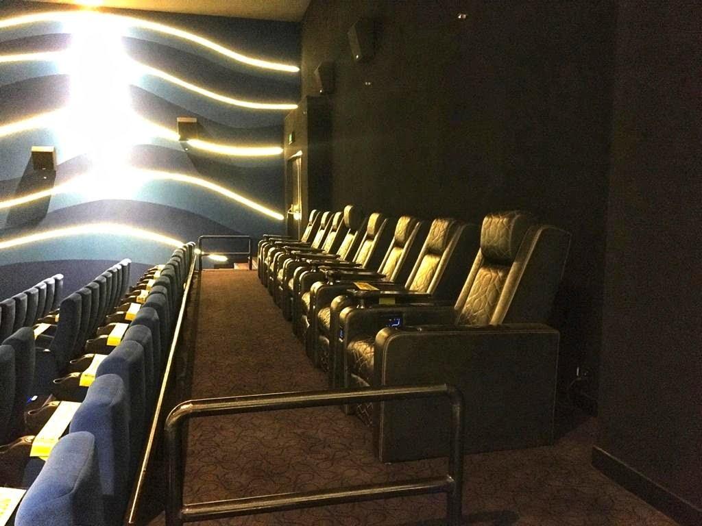 Inox Sapphire 83 audi 1 luxury seating